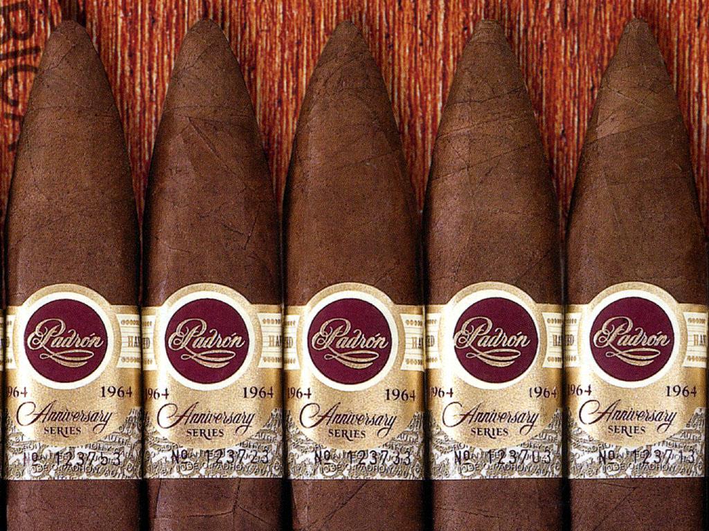 壁纸1024×768雪茄 1 15壁纸 其他品牌 雪茄 第一辑壁纸图片品牌壁纸品牌图片素材桌面壁纸